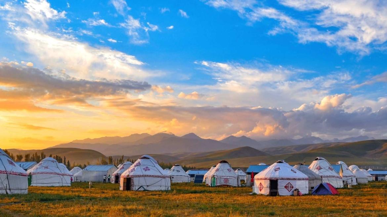 Xinjiang travel- yurts in the grassland